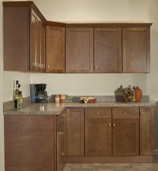 Brown Kitchen Cabinets: Craftsman Premier – Amesbury Brown Kitchen