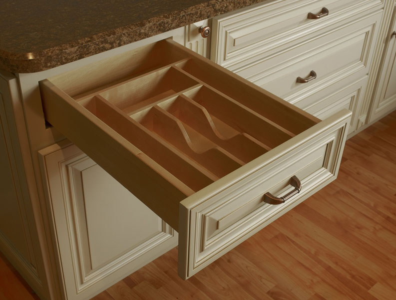 Designer ? Wheaton Kitchen  Swansea Cabinet Outlet